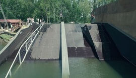 Daniel Grant on fire au pool gap Izon Wakepark